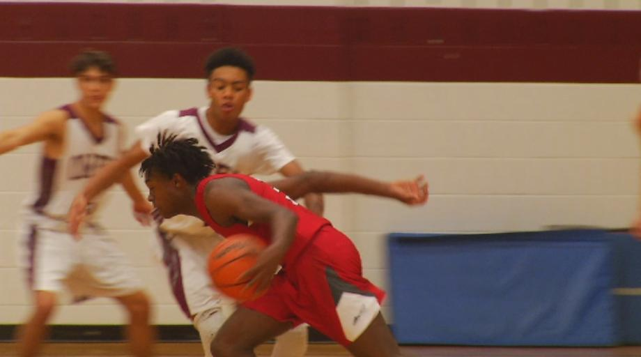 Rashod Chaffin drives for two of his 26 points (WLOS Staff).jpg