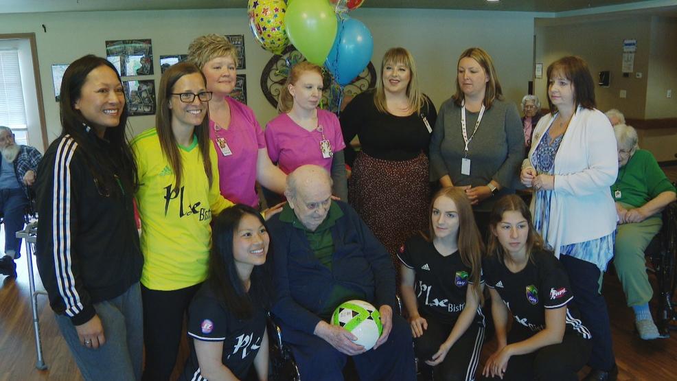 Local soccer team helps celebrate Holocaust survivor Henry Golde's