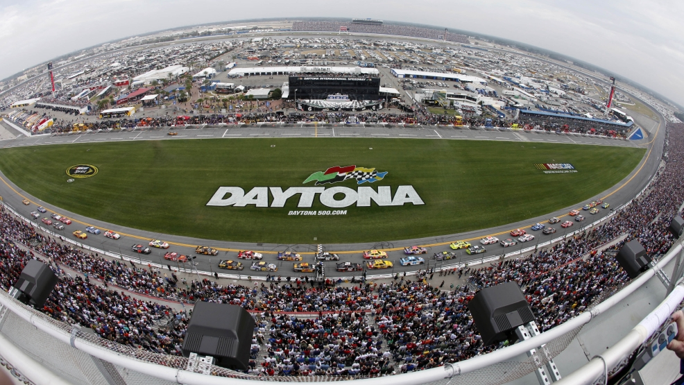 In this Feb. 15, 2009, file photo, taken with a fisheye lens, drivers take the green flag at start of the NASCAR Daytona 500 auto race at Daytona International Speedway in Daytona Beach, Fla. 6-driver championship field that would be whittled down to create a winner-take-all season finale is among radical changes reportedly being considered by NASCAR. The Charlotte Observer first reported Friday night, Jan. 17, 2014, a possible overhaul to the Chase format that France first introduced in 2004 and has made periodic changes to several times since. (AP Photo/Glenn Smith, File)
