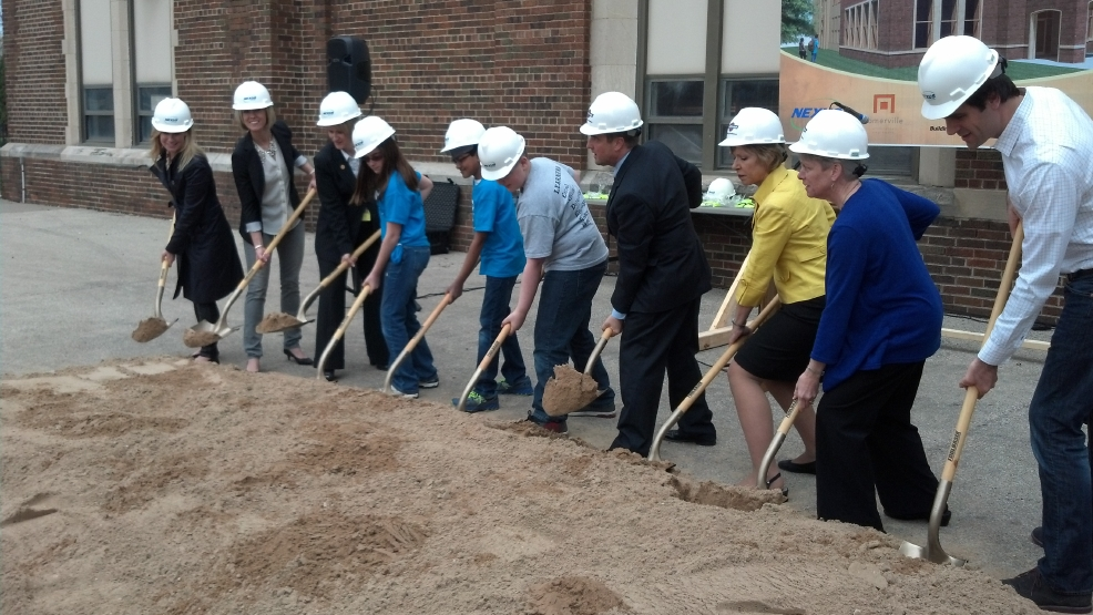 Green Bay school and city leaders break ground for the Leonardo da Vinci School for Gifted Learners.
