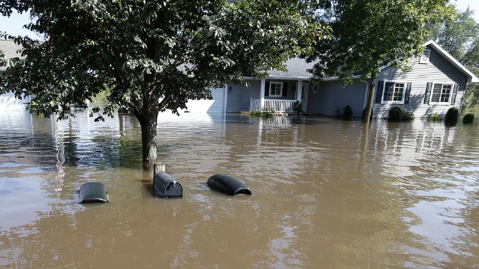 Residents evacuate cedar rapids homes ahead of flooding wpec for European motors cedar rapids