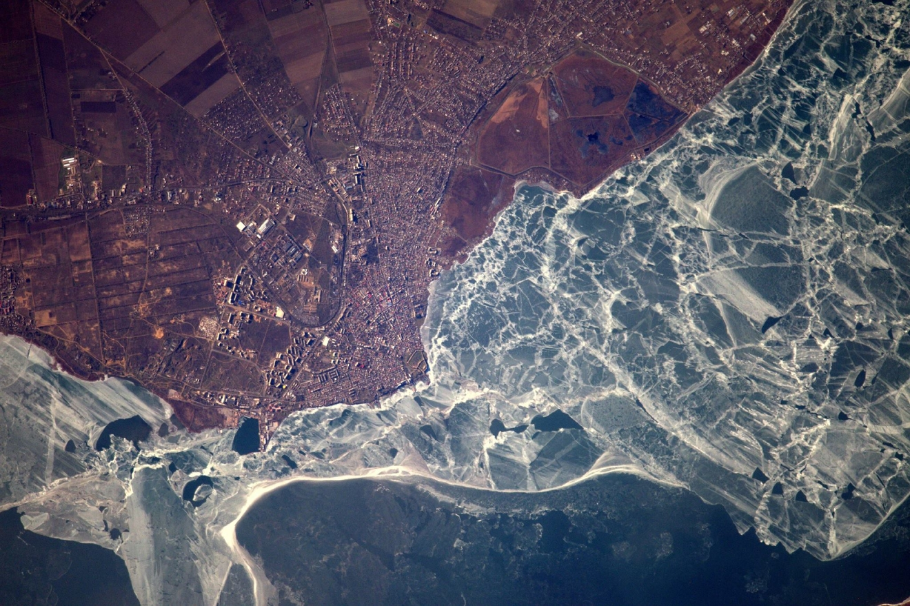 Where even the sea freezes in winter: Ukraine and the shores of the Black Sea (Photo & Caption: Thomas Pesquet // NASA)
