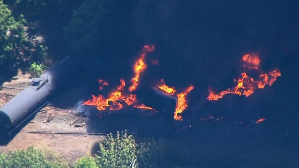 11 Oil Train Cars Derail Cars Erupts In Flames In Oregon