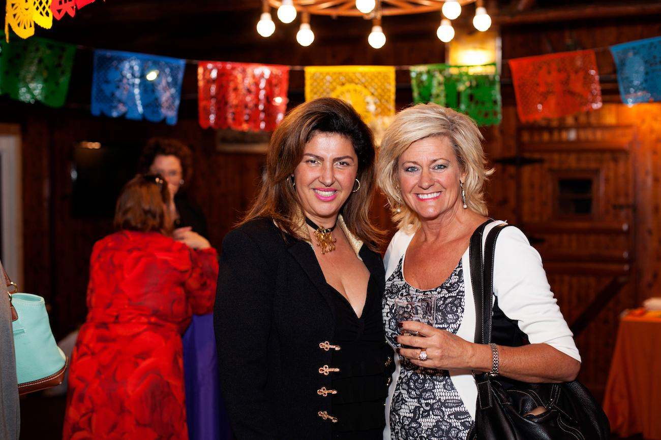 Hengameh Nassef and Sandy Willen, VP Relationship Manager Private Banking, Stock Yards Bank and Trust / Image: Sonja McGill of Sonja B. Photography // Published: 10.25.16