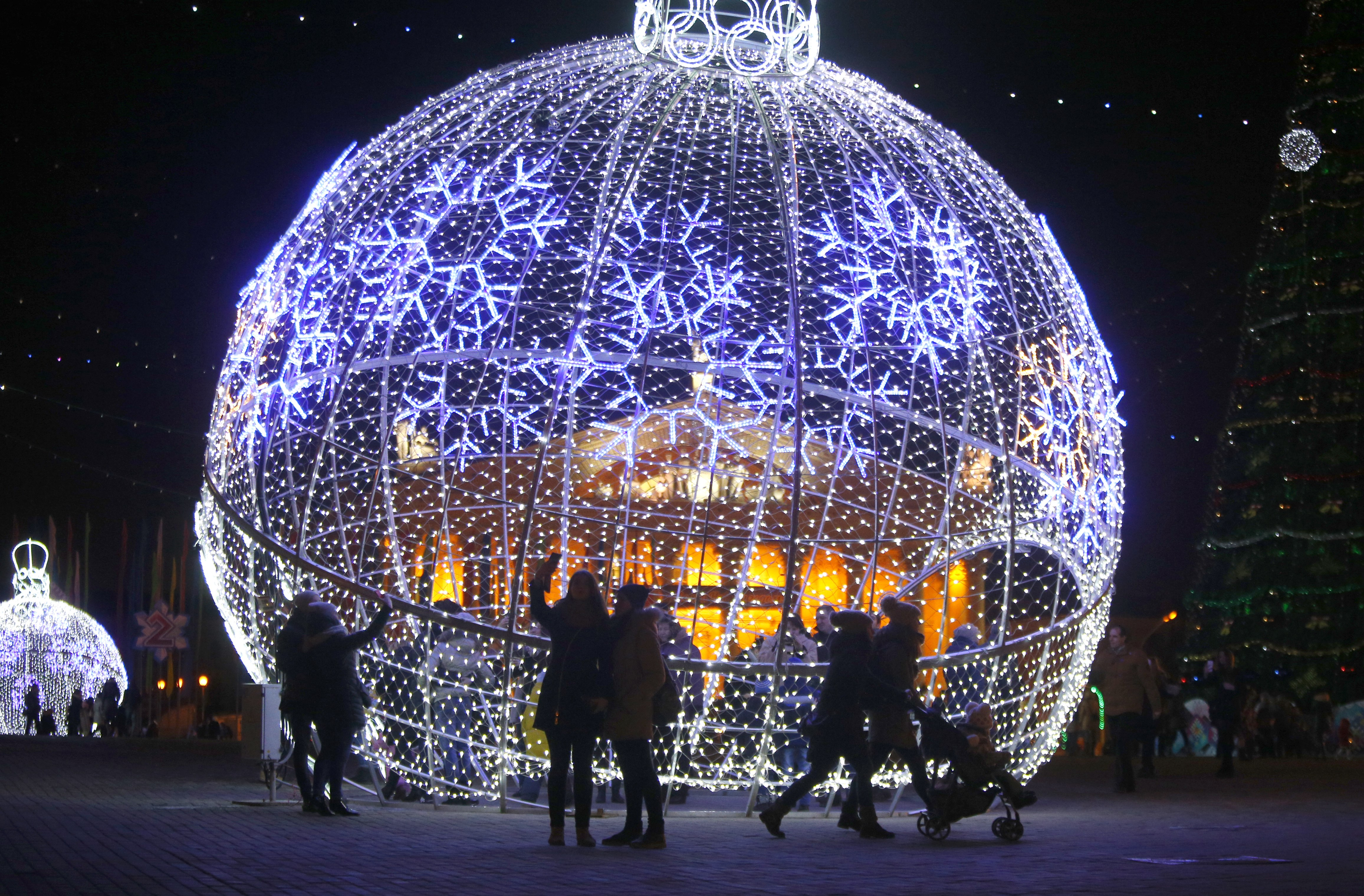 Photos: Christmas around the world | KVAL
