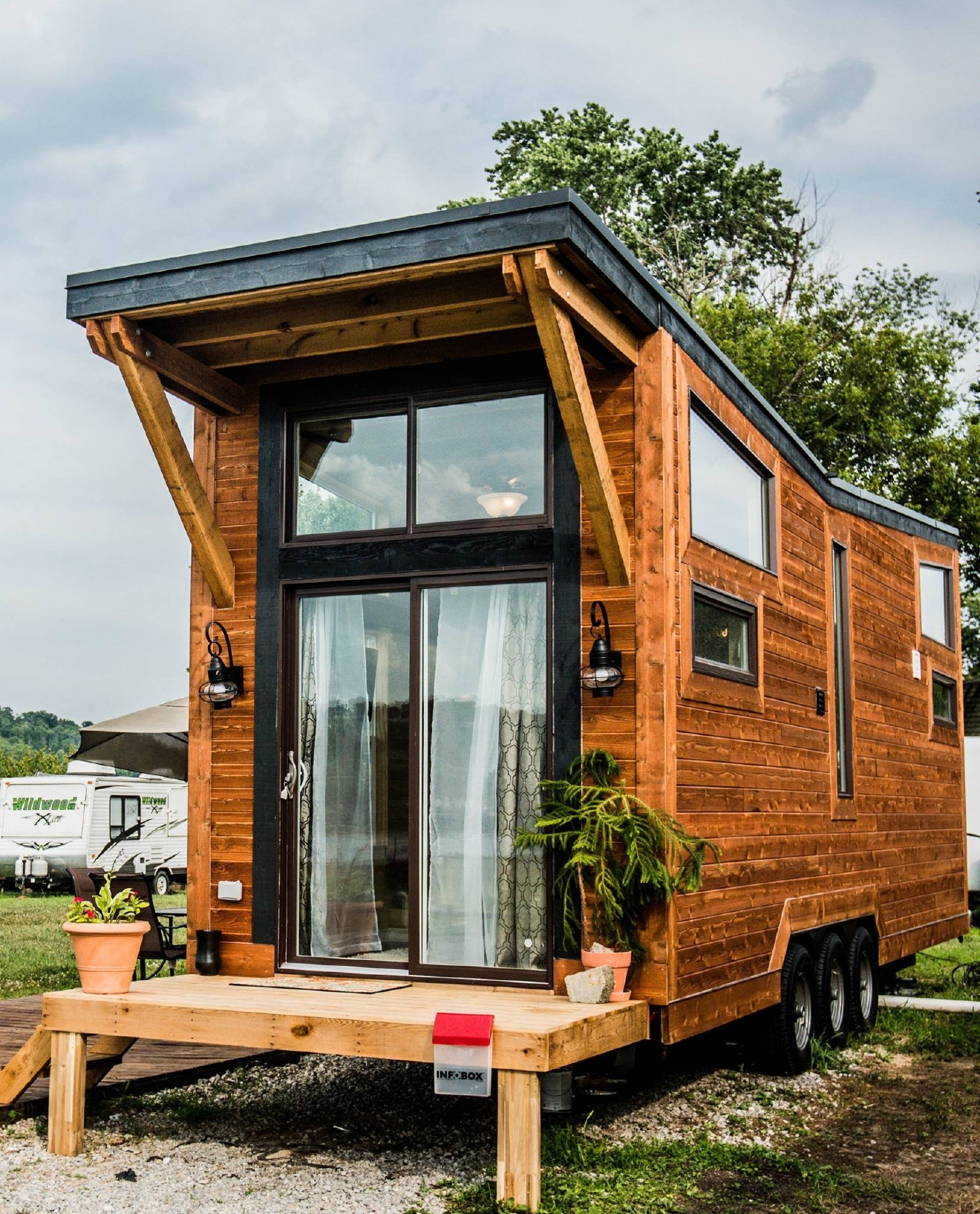 """You Can Rent This """"Tiny Home"""" For $150 Per Night"""