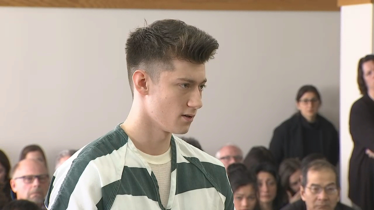 Allen Ivanov addresses the court during his sentencing hearing in Everett on Thursday, Jan. 12, 2017. (Photo: KOMO News)