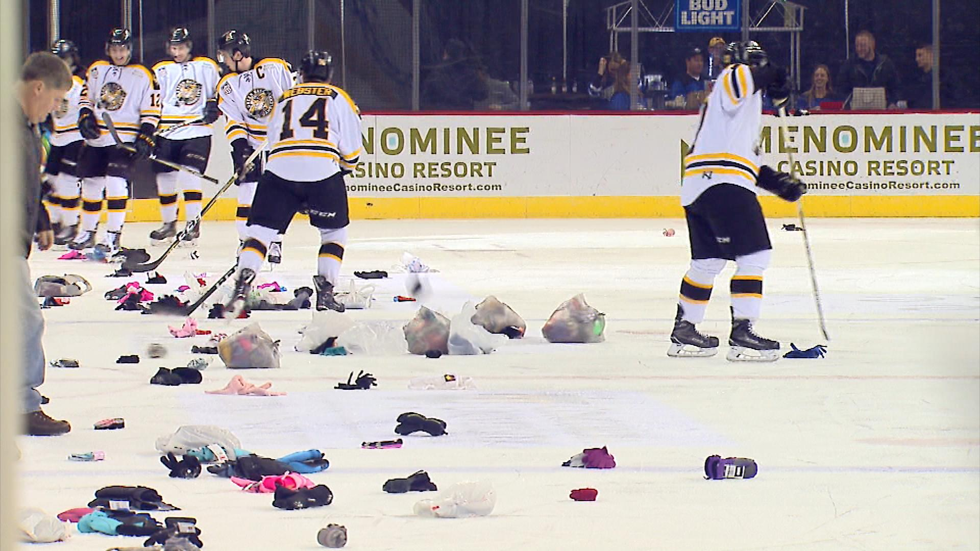 For the ninth year, the Green Bay Gamblers hosted its annual Mitten Toss. (WLUK/John Doran)