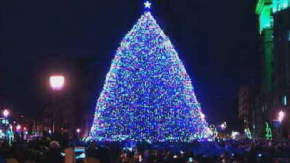 Syracuse kicks off the holiday season with the annual Tree Lighting Ceremony - Syracuse Kicks Off The Holiday Season With The Annual Tree Lighting