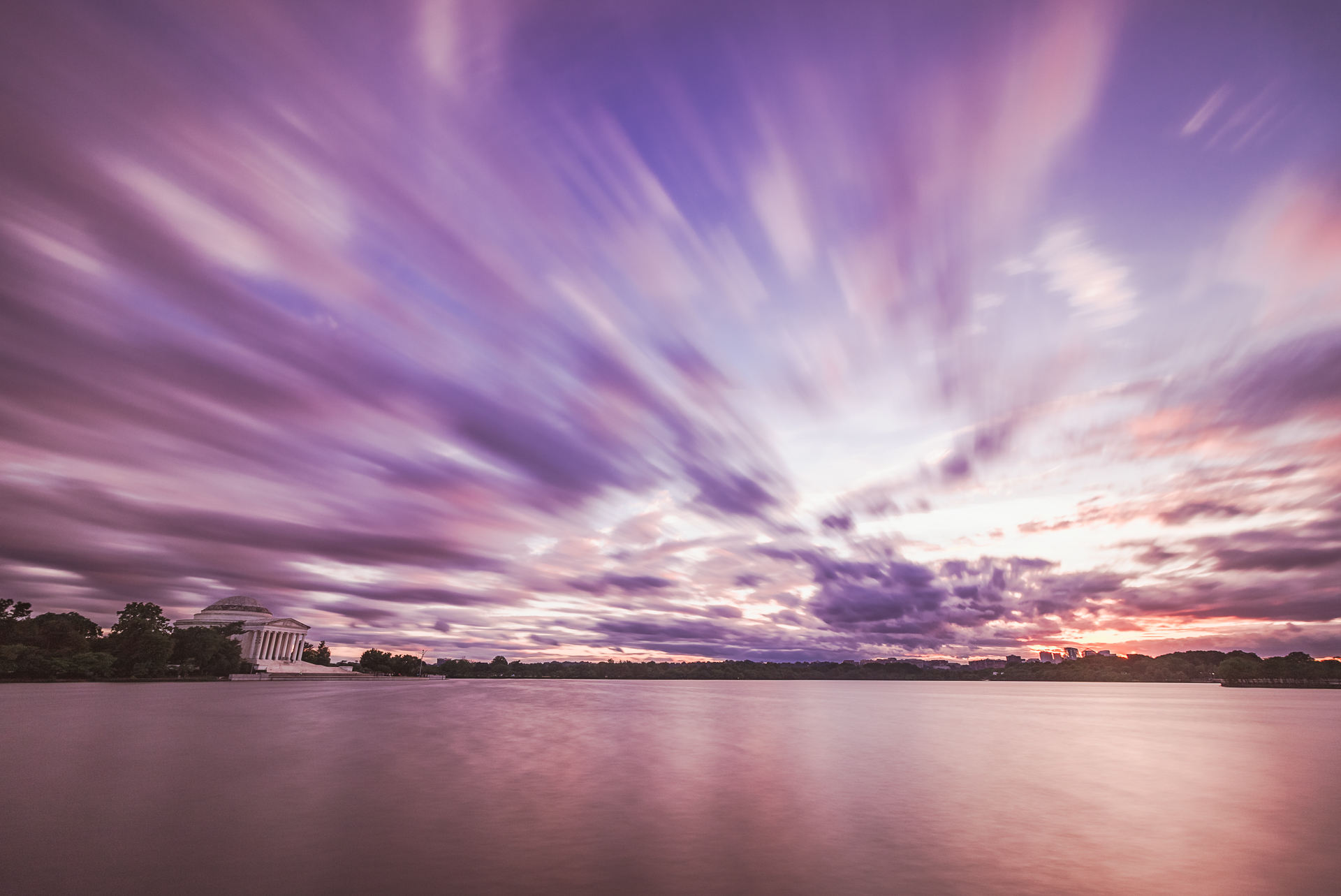 Cloud Passage – Long exposure taken at the Tidal Basin during sunset(Image: Zack Lewkowicz)<p></p>