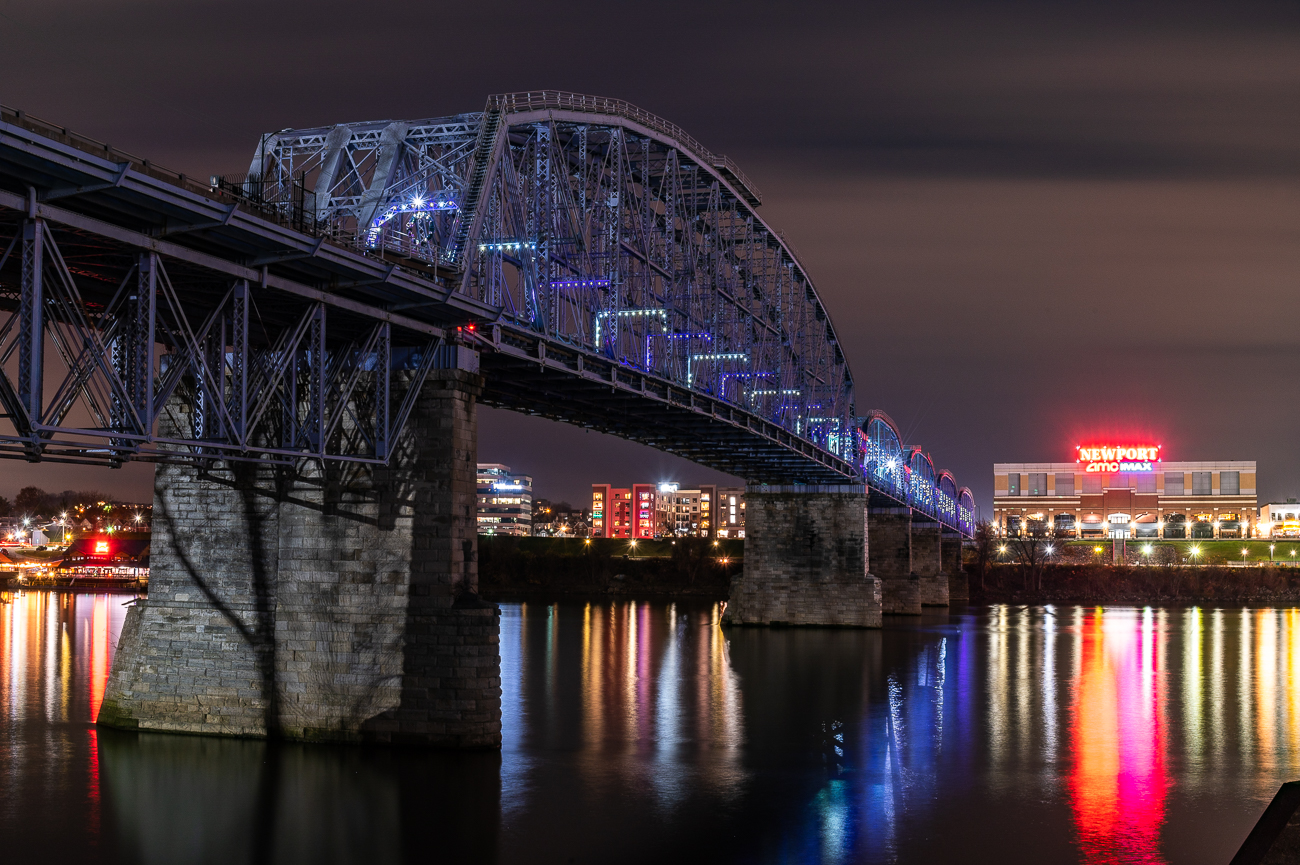 Looking at the bridge from the Serpentine Wall in Cincinnati. / Image: Phil Armstrong // Published: 12.1.20